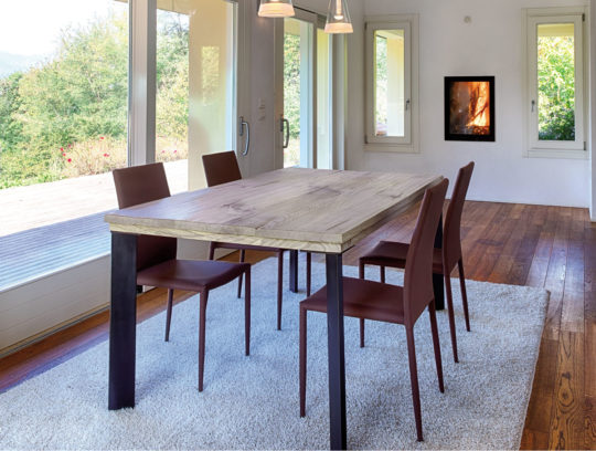 Aged solid oak table with iron legs - Art.14